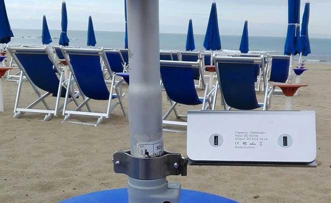 POWER BANK CON SUPPORTO, IN ACCIAIO INOX, PER OMBRELLONE NOVITA' TUTTA ITALIANA