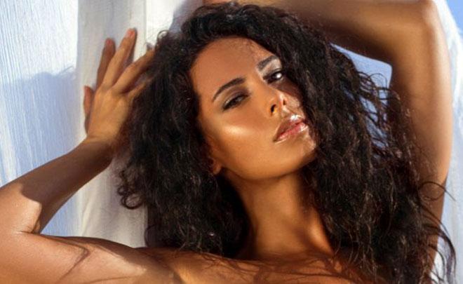 Raffaella Modugno Calendario 17.Raffaella Modugno Calendario 2017 Bollente E Sexy
